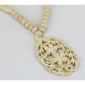 A Carved Bone Pendant Necklace Necklace Chain Jewellery