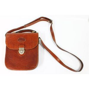 An Oroton Australia leather handbag. Sold by in for 619553f5c2907