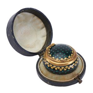 Antique And Vintage Pill Boxes Price Guide And Values