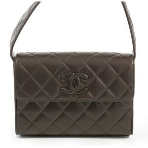 97ed37f36b7302 A shoulder bag by Chanel, styled in chocolate calfskin leather with leather  Cc clasp, reference card no. 2495400, 16 x 24 x 6 cm, boxed.