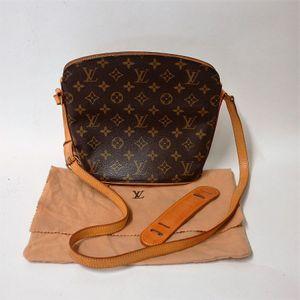 8190f9af33fe A vintage Louis Vuitton Drouot messenger   crossbody bag