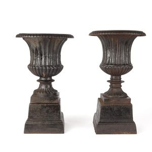Outdoors And Garden   Urns, Planters And Jardinieres