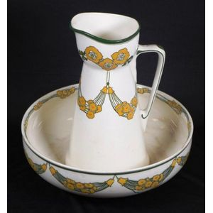 Royal Doulton (England) jug and basin sets - price guide and values