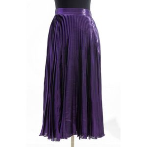 d78f52e86aa3 A skirt by Gucci, styled in purple metallic silk blend, labelled size 40.  Show 13 more like this