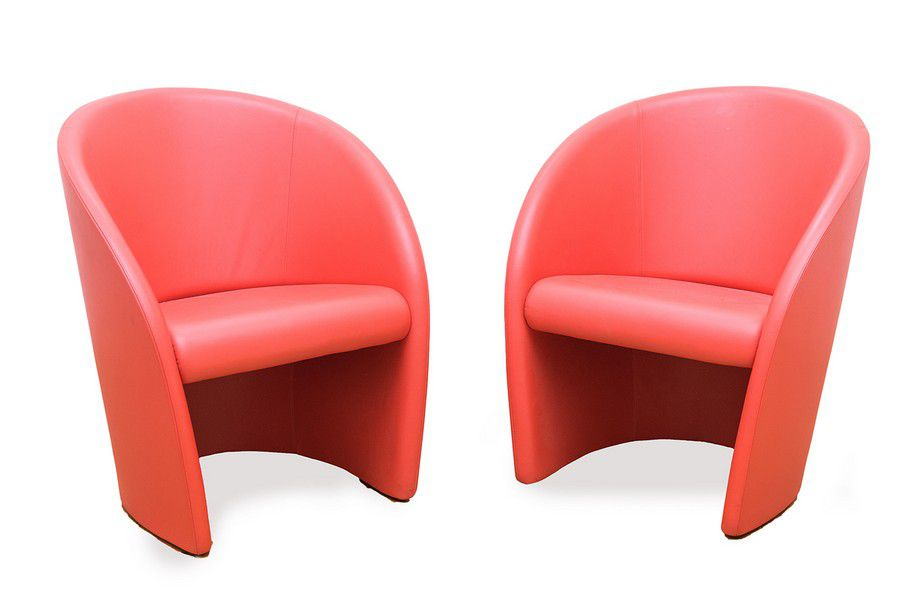 Intervista Poltrona Frau.Poltrona Frau Intervista Pair Of Chairs Red Leather