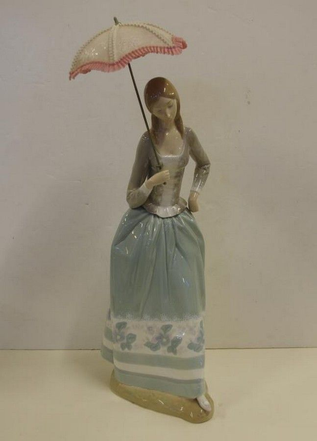 Large Lladro Lady With Parasol 50 Cm High Approx Small Loss