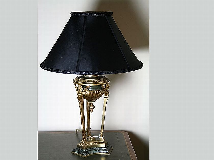 A French 19th Century Louis Xvi Style Bronze Table Lamp On Lamps Table Amp Desk Lighting