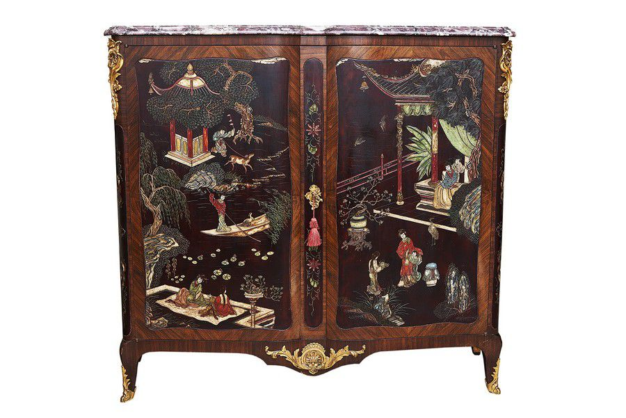 Ormolu mounted and lacquered chinoiserie cabinet 20th for Oriental furniture australia