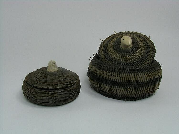 Woven Disc Basket : Two fine inuit baskets of woven whale baleen the lids