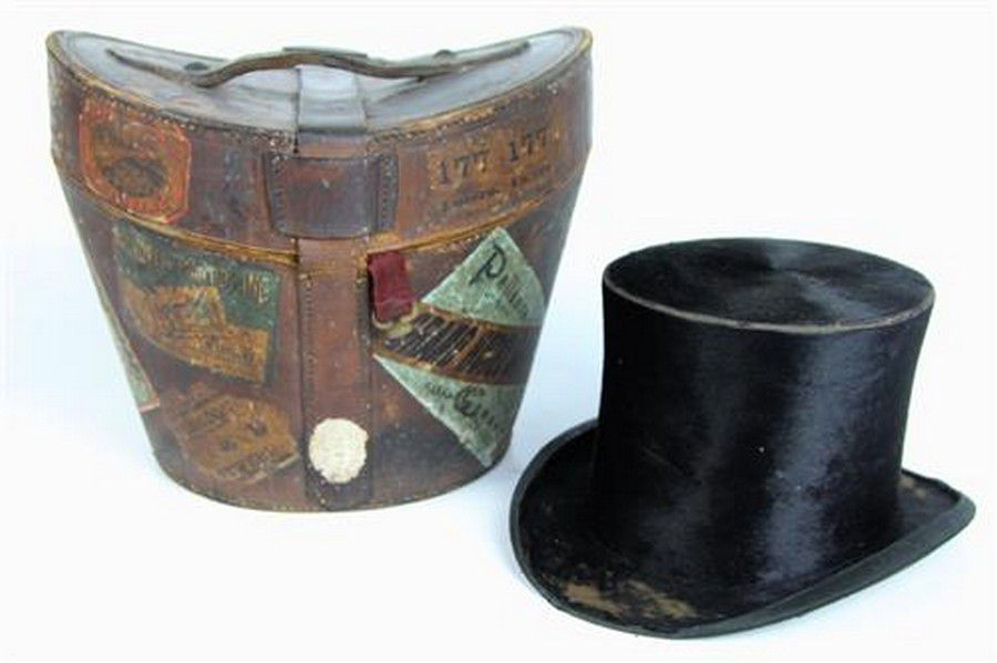 G. A. Dunn   Co seal fur top hat set in a leather bound 49857bcbe7c7