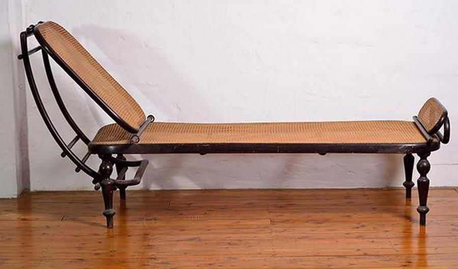 An Early 20th Century Bentwood Chaise Lounge By Thonet 190