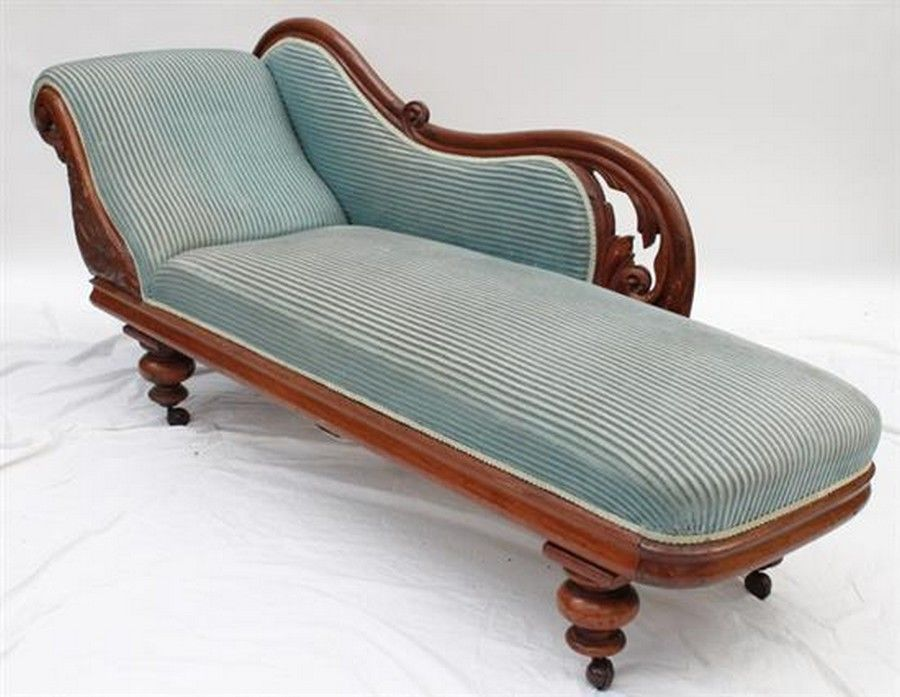 A Colonial single ended cedar chaise lounge, 85 x 200 x 60 ...