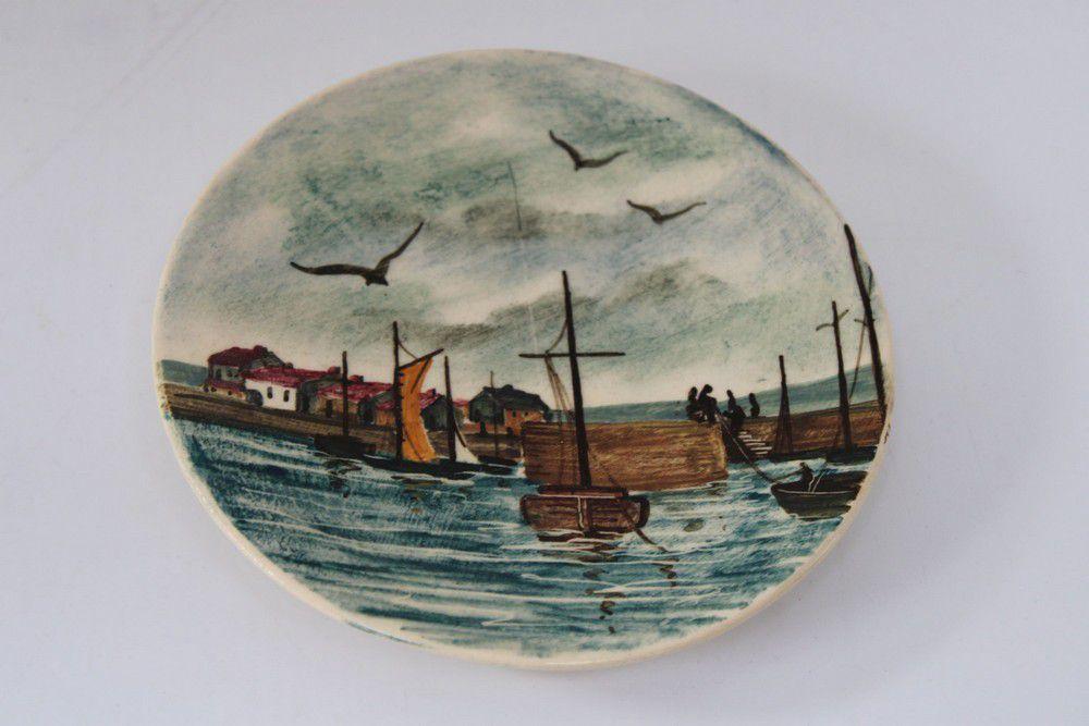 Martin Boyd dish, boats, 13.5 cm diameter