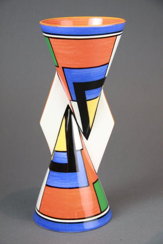 A modern edition wedgwood clarice cliff 39 mondrian 39 39 yo yo for Mondrian vase