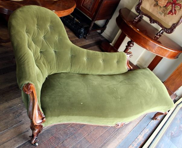 Victorian Mahogany Chaise Lounge Upholstered In Green