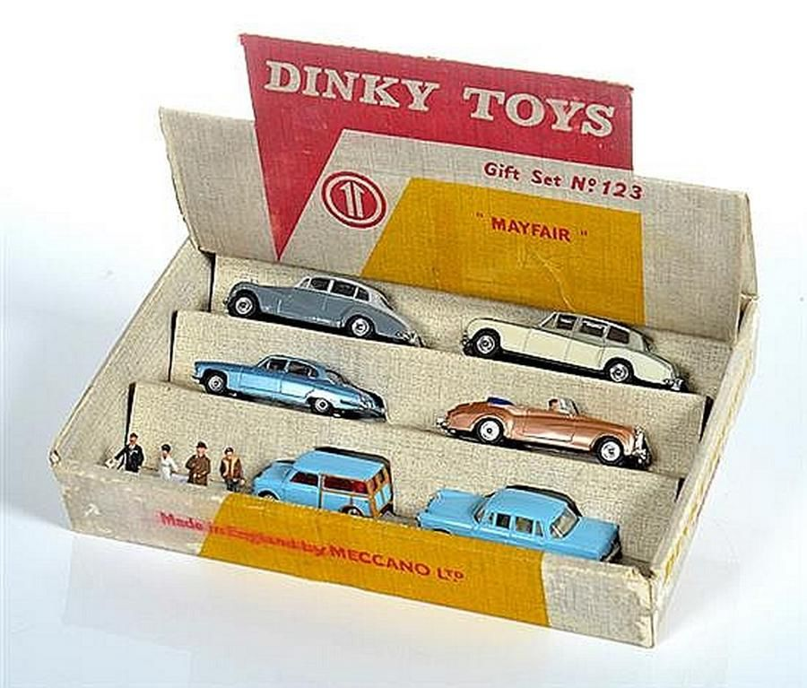Dinky 123 Mayfair Gift Set Including 142 Jaguar 150 Branded
