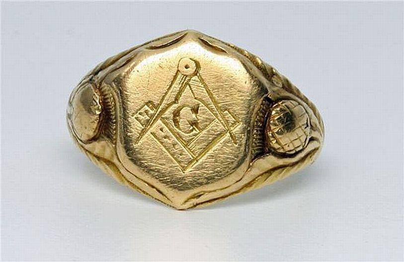 A 20ct gold Masonic ring