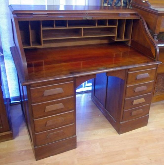 A Good Vintage Roll Top Desk With Inside Pigeon Holes 8